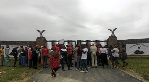 EFF members in Mpumalanga protest  outside Ntaba Nyoni Estate, owned by President Cyril Ramaphosa, demanding the reinstatement of six farmworkers who were fired last year.