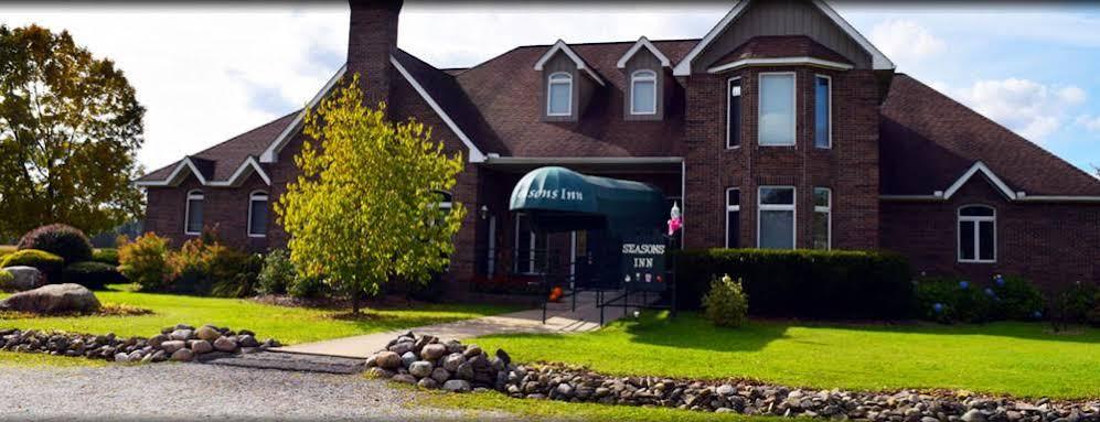 The Seasons Inn at Nicks Place