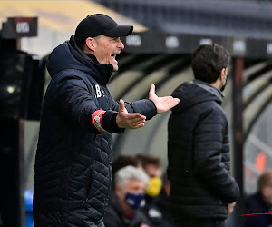 """Oostende-coach Blessin maakt zich eerste keer echt boos: """"Dit kan ik niet accepteren: het is goal of penalty"""""""