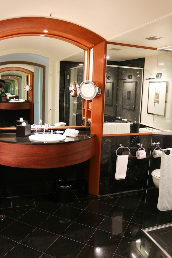 Bathroom in Sheraton on the Park