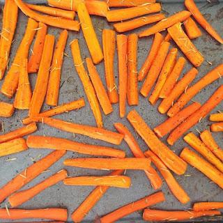 Oven Roasted Rosemary & Garlic Carrots