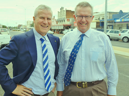 Infrastructure agenda: Deputy Prime Minister Michael McCormack and Federal Member for Parkes Mark Coulton in Narrabri on Thursday.