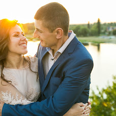 Wedding photographer Maksim Vasilenko (Maximilyan77). Photo of 13.04.2017