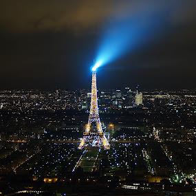 The Beacon by Peniole ... - City,  Street & Park  Skylines ( december, paris, eiffel, montparnasse tower, france )