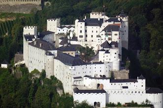Photo: Blick vom Gaisberg 1288m auf die Festung Hohensalzburg (Fortress Hohensalzburg)  PENTAX K7, Walimex pro 800mm/8.0 DX 1/125 Sek. bei f / 8,0  ISO 800 Spiegeltele-Objektiv  Datum und Uhrzeit (Original)2011:09:01 08:06:45   Sie ist Europas größte Burganlage aus dem 11. Jahrhundert,  die größte vollständig erhaltene Burg