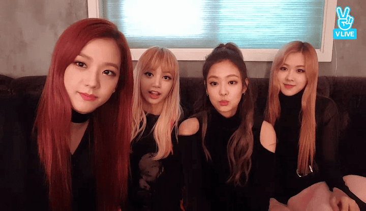 BLACKPINK impresses fans by speaking in several different