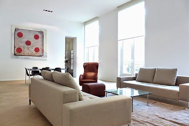 Living area at 3 bedroom luxury apartment in Parc Monceau