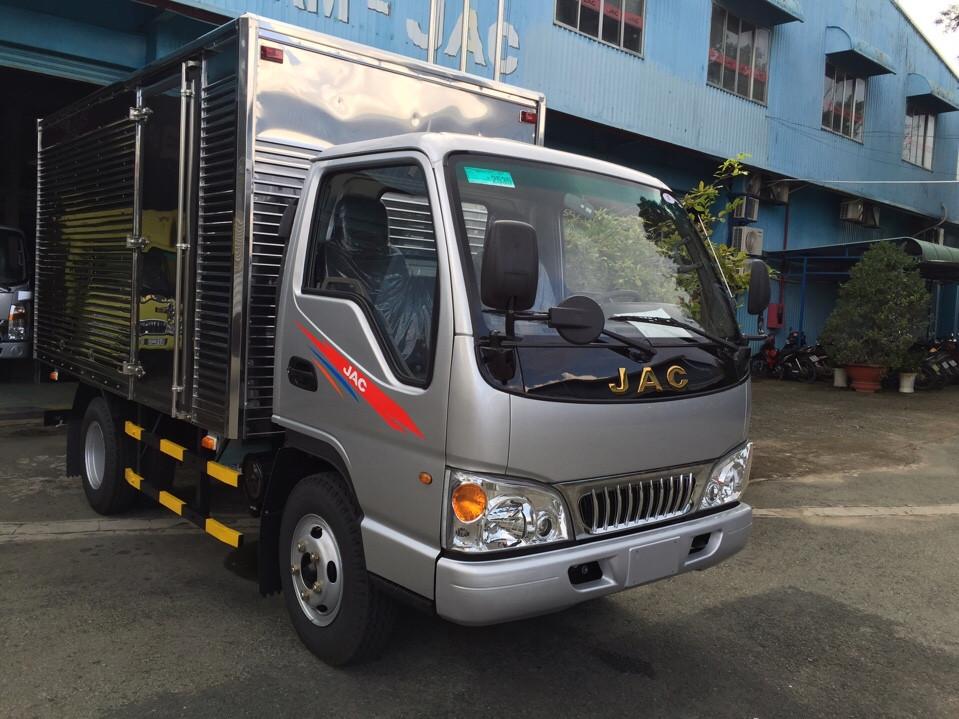 Xe tải jac 2t4 thùng_kín.jpg