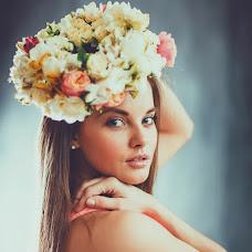 Wedding photographer Aliya Azamaeva (Spring-Swallow). Photo of 17.12.2014