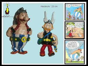 Photo: Astérix, Obélix... et le menhir !