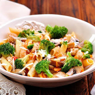 Quick and Healthy Sweet Basil and Roasted Garlic Sausage with Penne Pasta.