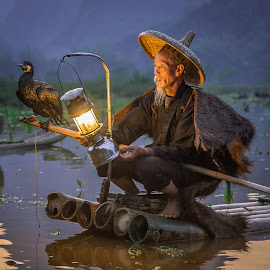 Evening Light by David Long - People Portraits of Men ( li river, cormorant fisherman, guilin )