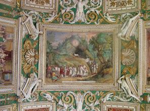 Photo: 021 Vatikaanin museon käytävän seinältä.
