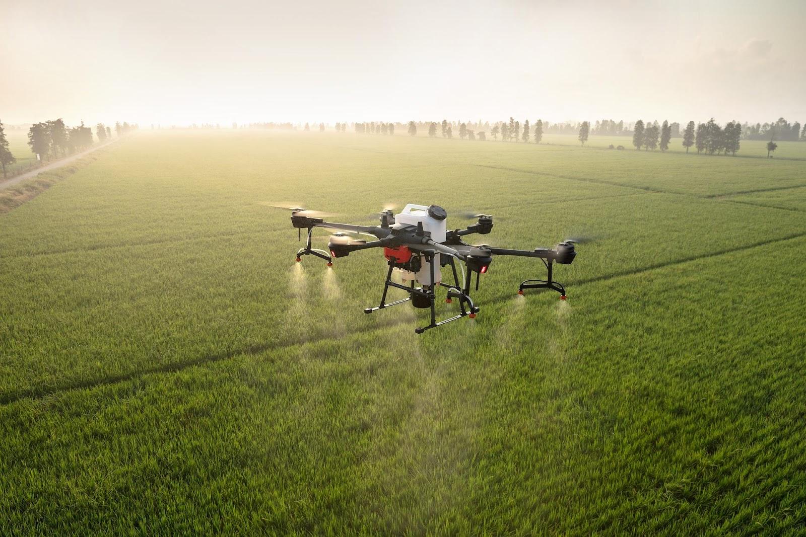 Dron pulverizador como tecnología agrícola argentina.