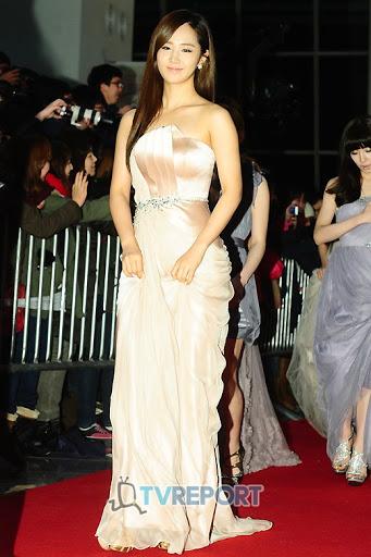 yuri gown 13