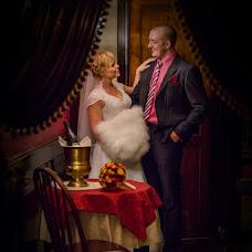 Wedding photographer Maksim Antipov (34max). Photo of 01.10.2013