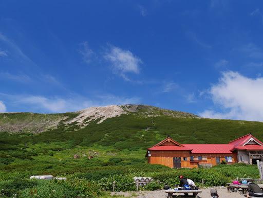 室堂から白山(御前峰)