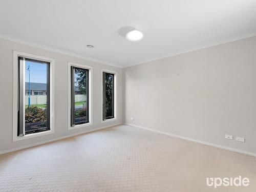 Photo of property at 10 Nepeta Way, Pakenham 3810