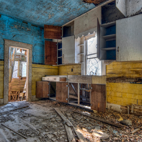 Fixer Upper by Christopher Pischel - Buildings & Architecture Decaying & Abandoned ( old house, hdr, kitchen, decaying, rural, decay, abandoned,  )