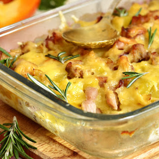 Do You Like Baked Potatoes? Then Kick It Up a Notch With This Savory Baked Potato Casserole!