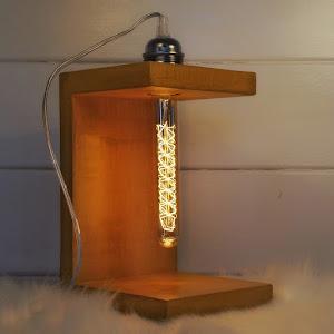 déco en béton design avec collection de lampe en béton ciré de couleur jaune moutarde par la marque Junny