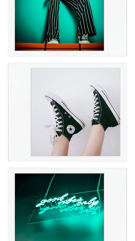 Neon Sneaker Frame - Facebook Story Template