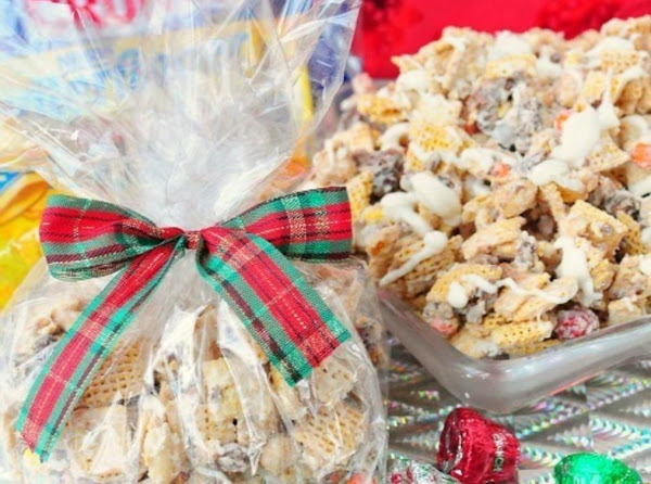 Butterfinger & Toffee Candy Crunch Mix Recipe