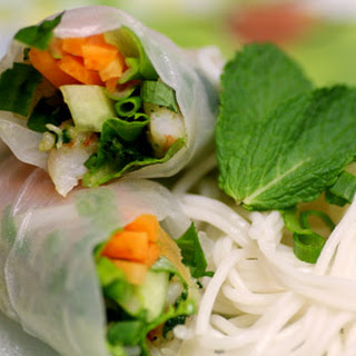 Vietnamese-Style Spring Rolls with Shrimp Recipe