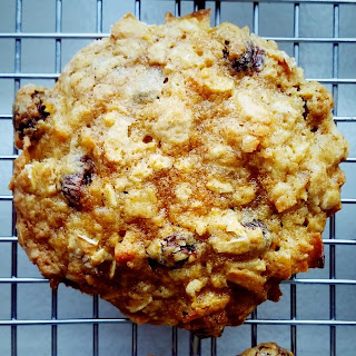 Oatmeal Cookies with Raisins and Coconut