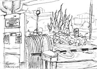 Photo: 大門一偶2010.11.24鋼筆 今天去貼以前老搭檔阿榮哥的班,也頭一次在大門值勤,在車來車往及人員進出管制的同時,勉強完成這幅畫。