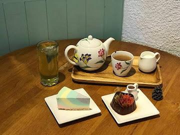 小百合咖啡屋 Lily Cafe 原 蕾蕾咖啡館