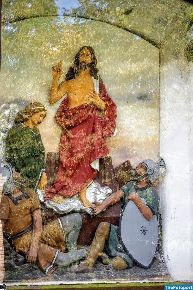 Lébény - Padovai Szent Antal kápolna a keresztúttal