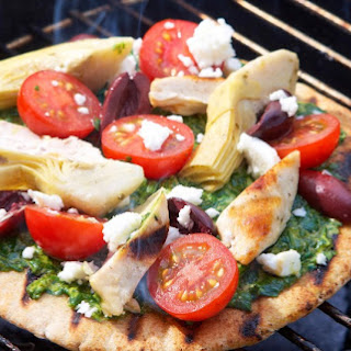 How To Make Barbecued Pizza.