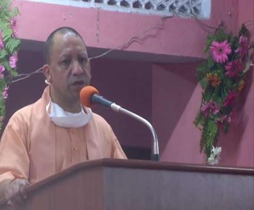 मुख्यमंत्री ने प्रधानमंत्री के जन्मदिवस पर गोरक्षनाथ मंदिर में 110  दिव्यांगों को ट्राई साइकिल वितरित की - कामगार पोस्ट