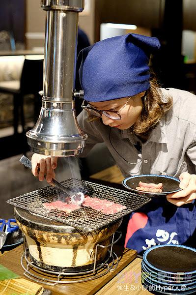 明炙道炭火燒肉|河南路高品質日式燒烤,氣派挑高裝潢和周到桌邊服務讓人倍感喜歡,超厚伊比利豬必吃哦~