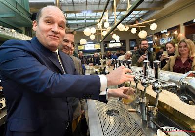 """Burgemeester Brussel enthousiast: """"Vooral investering van Vincent Kompany in Anderlecht is belangrijk"""""""