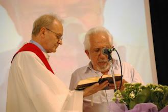 Photo: Gaetano Farinelli con il prof. Luiz Alberto Gomez de Souza durante la santa messa