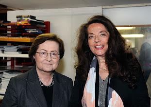 """Photo: AUSSTELLUNGSERÖFFNUNG """"I.R.I.S """" am 4. 4. 2014. Dr. Barbara Lee Störck, Iris von Stein. Foto: Barbara Zeininger"""