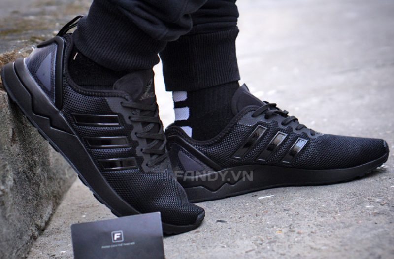 Cơn sốt ZX Flux adidas khuấy động chị em Việt