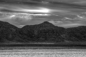 Photo: Dry lake bed in the Mojave Desert