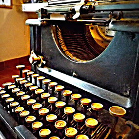 by Ana Cárdenas O - Artistic Objects Antiques ( old, typewriter, letters, antique )