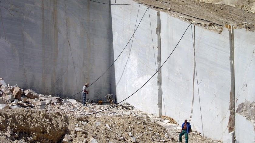 Cantera de piedra natural de la sierra de Los Filabres.
