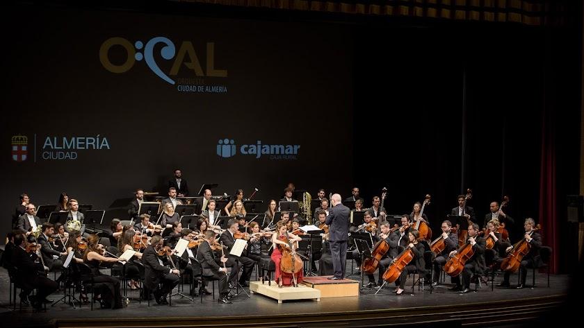 Un momento del concierto de este domingo de la OCAL.