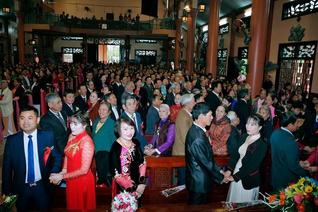 GP Phát Diệm: Gần 300 cặp vợ chồng mừng kỷ niệm thành hôn - Ảnh minh hoạ 10