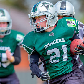 Gridiron Victoria : Tanya Russell by John Torcasio - Sports & Fitness American and Canadian football ( teamwork, gridiron victoria :, gridiron, tanya russell, croydon rangers, women's )