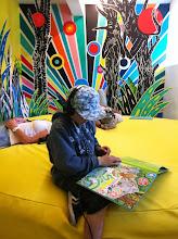 Photo: Lig ned og lyt og kig, læs og sans historien. Projekt ud fra bogen 'Kor kan drömma', af sangeren/rapper Jason Diakité og billedkunstner Maria Bajt
