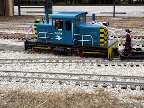 Photo: David James's loco split a switch, which is very unusual for this loco.    HALS Public Run Day 2014-1115 RPW