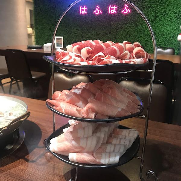 價位佛心~ 根本是蛤蟆控的天堂~ 牛豬雞的肉質吃起來一點都不柴還很香 尤其雞肉有中藥味真的很加分~ 蛤蟆控的你可以來嚐鮮^_^