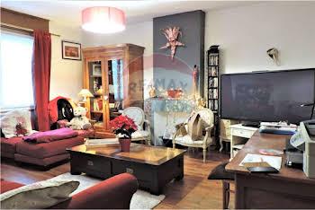 Maison 4 pièces 306 m2