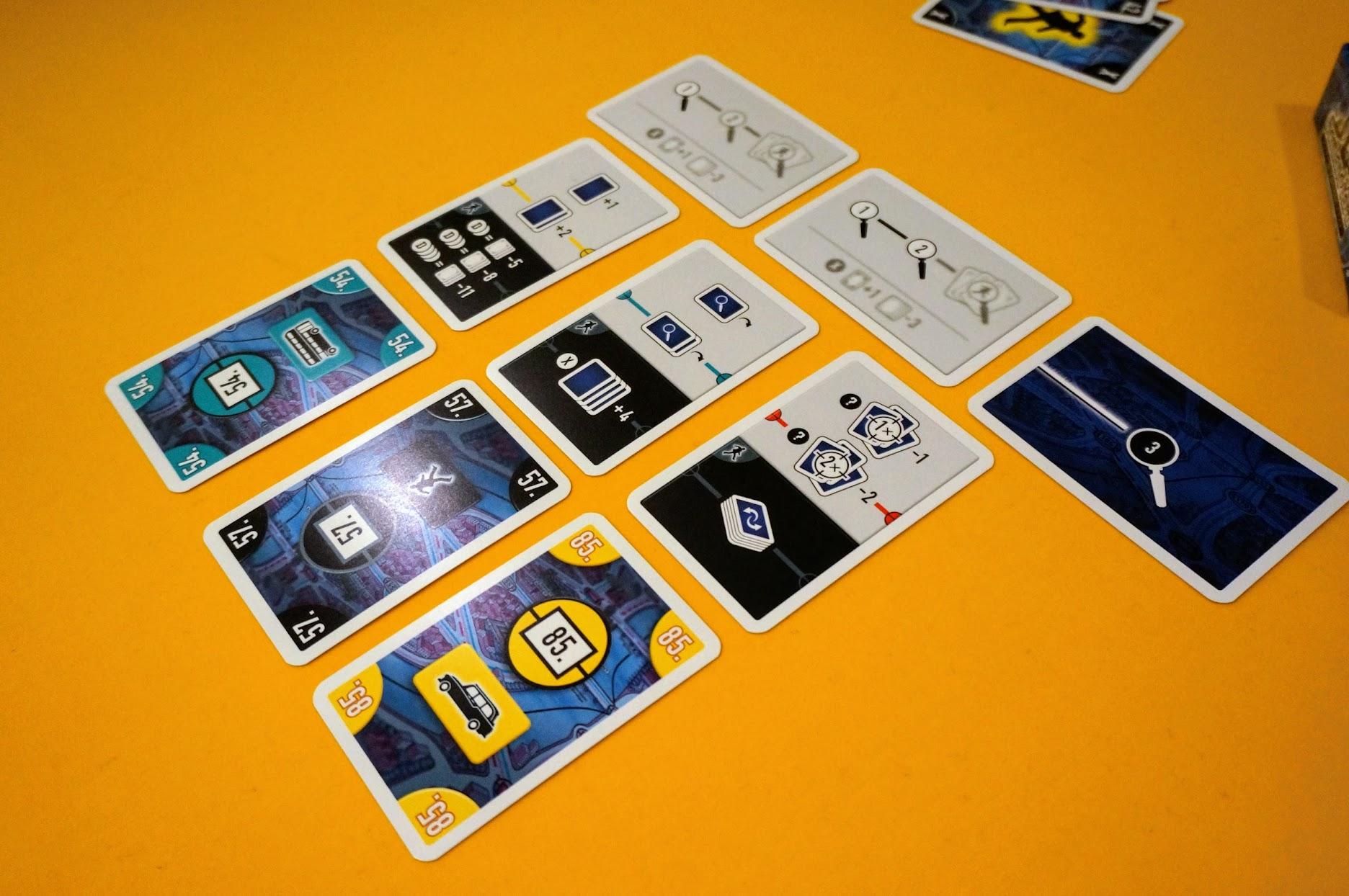 スコットランドヤード:カードゲーム:カードの出し方